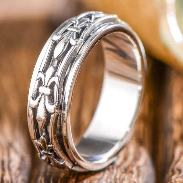 Silver Fleur De Lis Spinner Ring