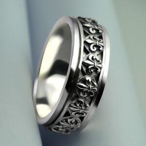 Fleur De Lis Spinner Ring