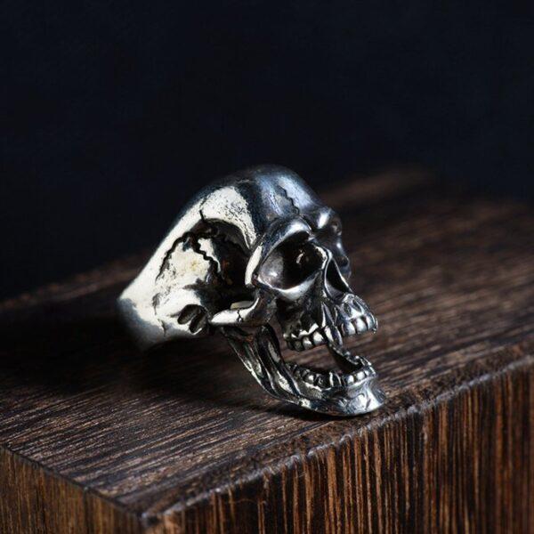 Sterling Silver Evil Skull Ring With Cracks