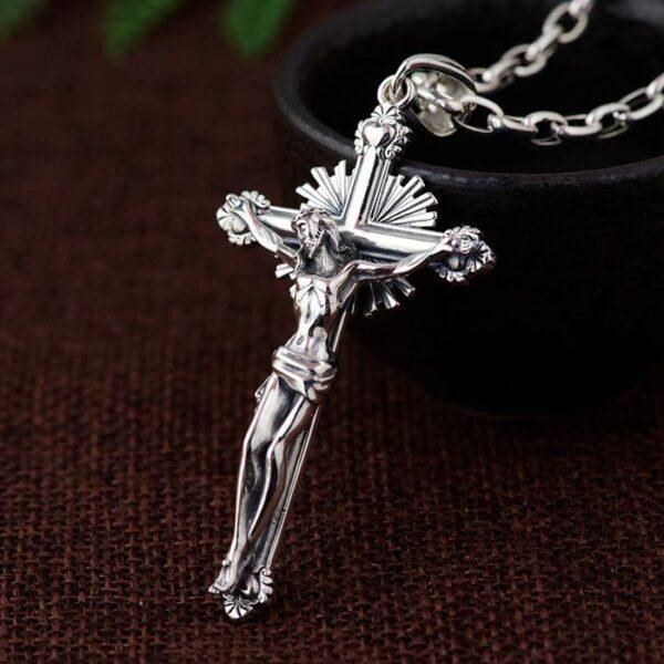 Cross & Crucifix Pendant W/ Oval Links Chain