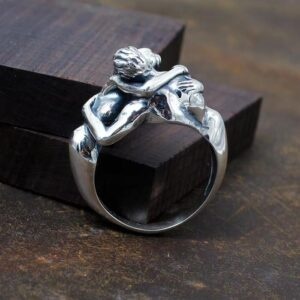 The Nude Couple Kiss Ring