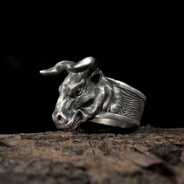 Cow Head Ring