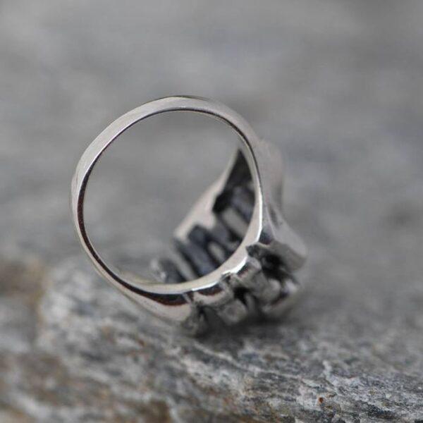 Skull Fist Hand Ring