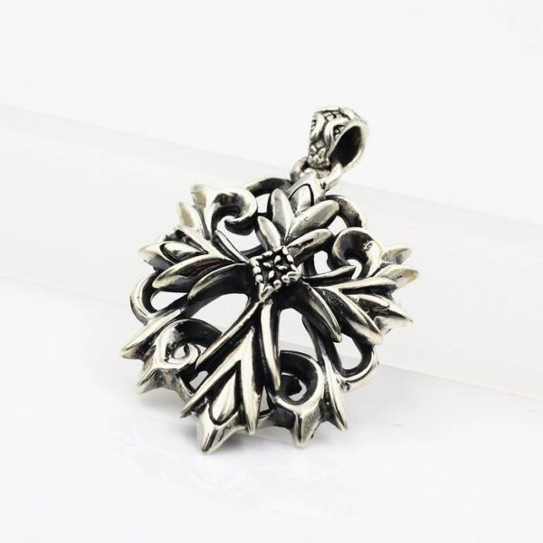 Silver Gothic Cross Pendant