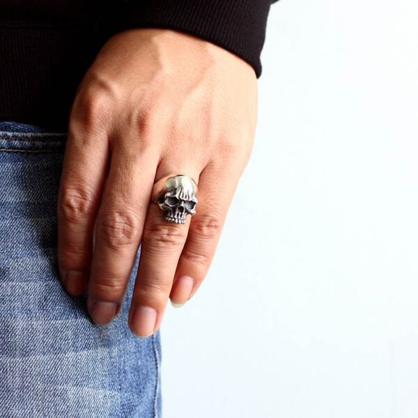 Angry Flames Skull Ring