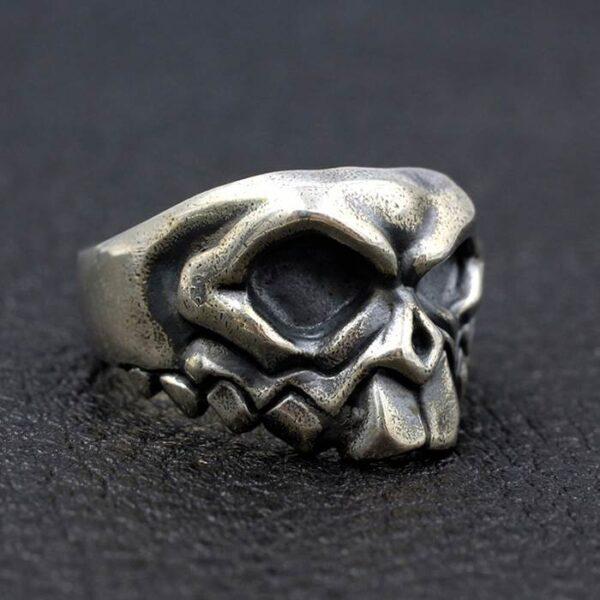 Buck Teeth Skull Ring